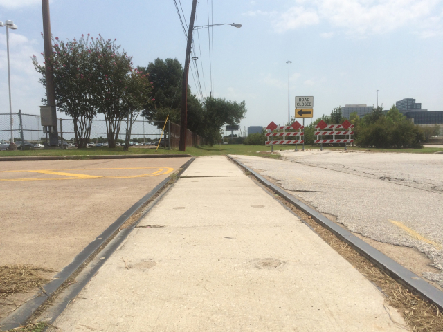 Remnant of rail adjacent to I-10. Photo: Raj Mankad.