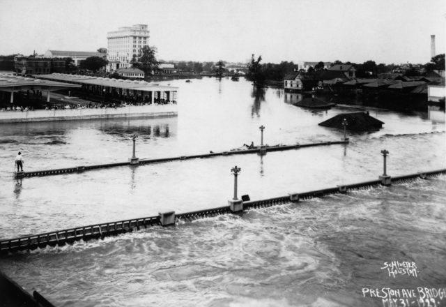 The Preston Avenue Bridge under water during the flood of 1929. Courtesy Houston Public Library, Houston Metropolitan Research Center.