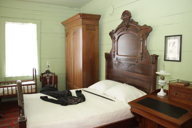 Yates House interior. Photo: Heritage Society.